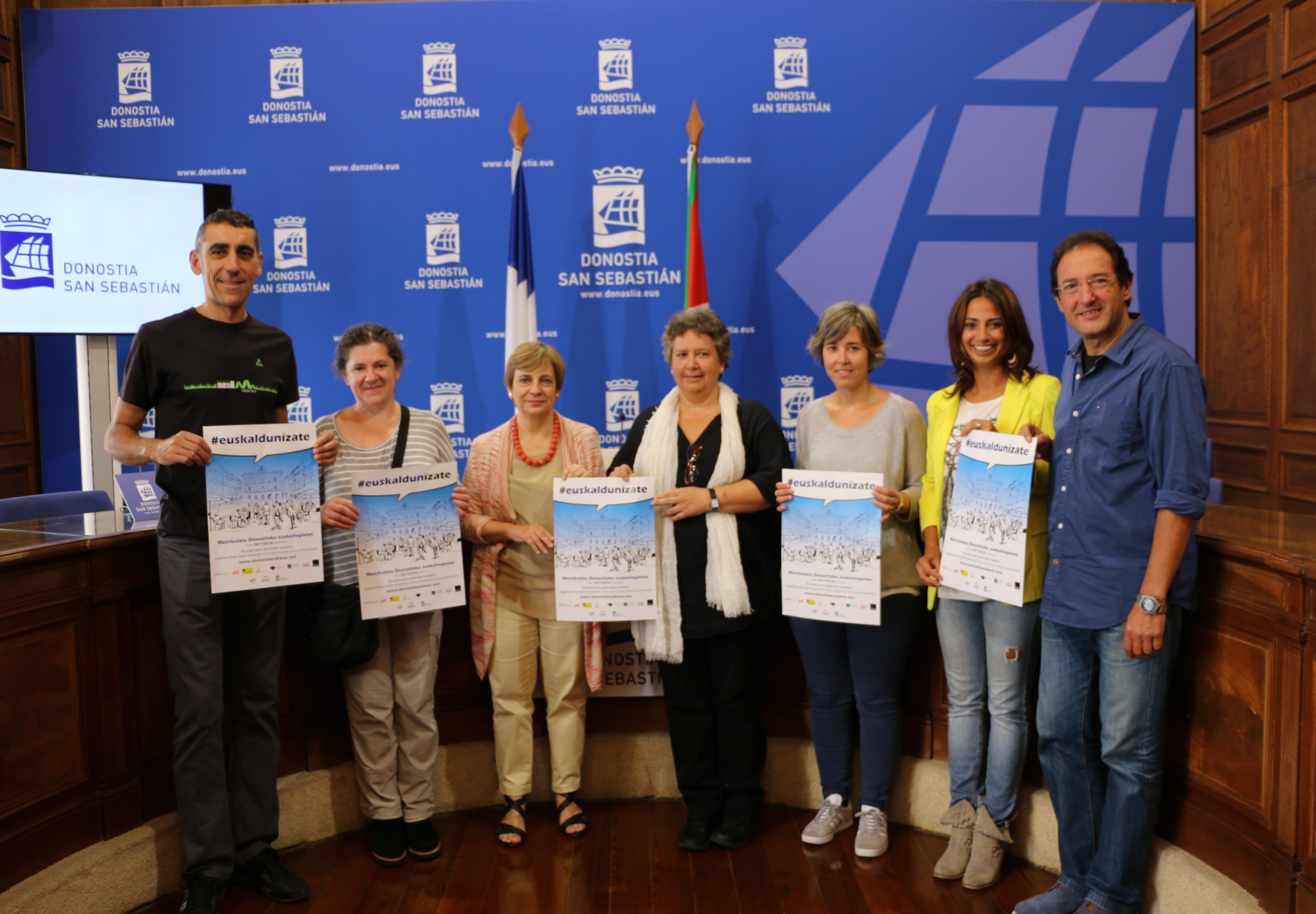 Rueda de prensa euskaldunizate